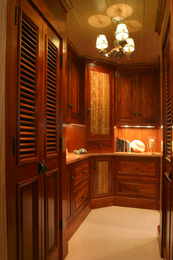 Dress room wardrobe joy studio design gallery best design for Dressing room interior